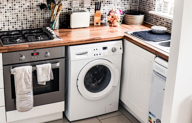 Waschmaschine selbst anschließen: Anleitung, Werkzeuge & Tipps