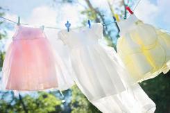 Wäsche waschen: Hilfreiche Tipps für strahlende Kleidung